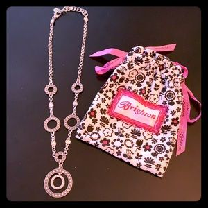 Gorgeous silver necklace with rhinestones.